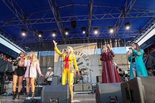 See Dolly Parton Join the Highwomen, Linda Perry at Newport Folk Festival