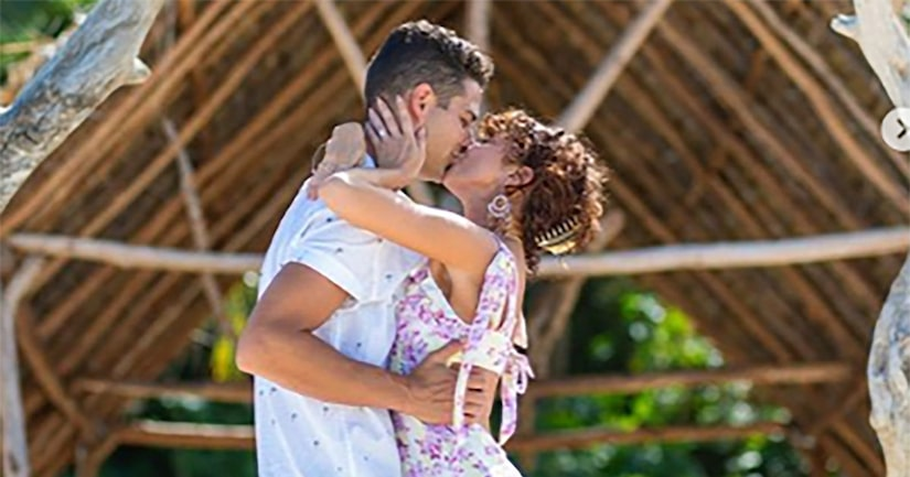 Sarah Hyland Engaged to Wells Adams — Watch His Proposal and See the Ring!