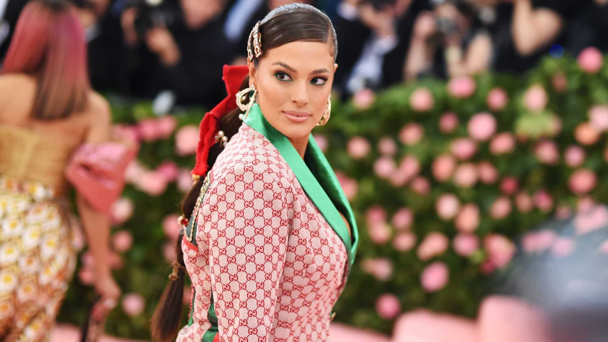 Ashley Graham Is Glowing in This Semi-Nude Pregnancy Pic