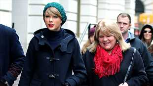 Taylor Swift Admits She Fears Losing Her Mom To Cancer In Emotional New Song With Dixie Chicks