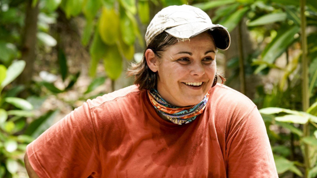 Elaine Stott on Survivor: Who is factory worker from Kentucky?