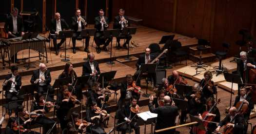 Review: Steve Reich Makes a Rare Venture Into the Orchestra