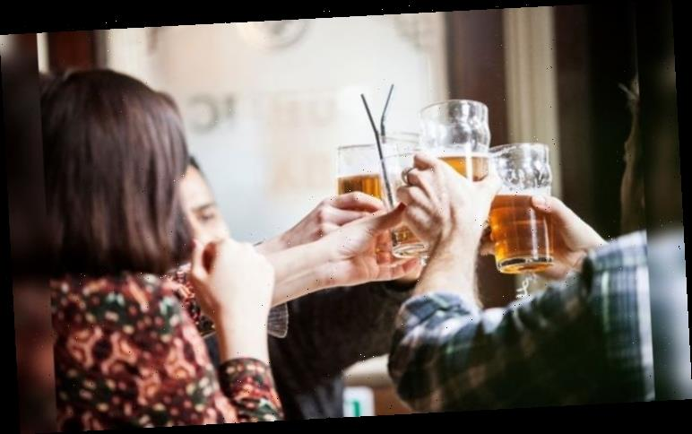 Pubs open: How long can you stay in a pub? Can you play pool?