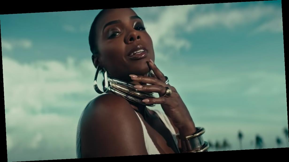"""Kelly Rowland Wants Women to Stop """"Shrinking"""" and Start Embracing Their Sexuality in Music"""