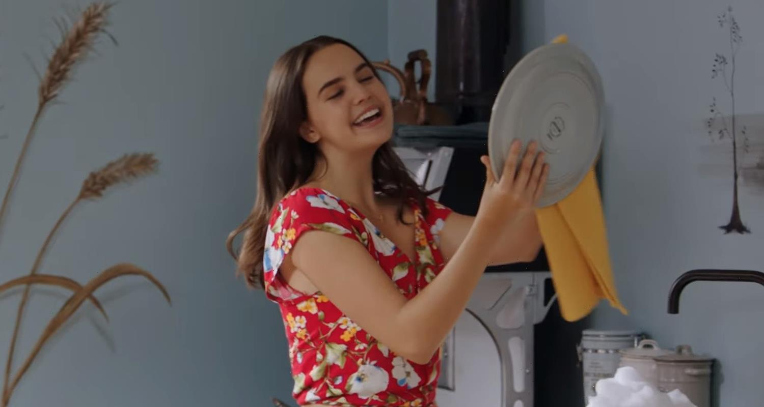 Bailee Madison Sings 'My Own Story' In New 'A Cinderella Story: Starstruck' Clip