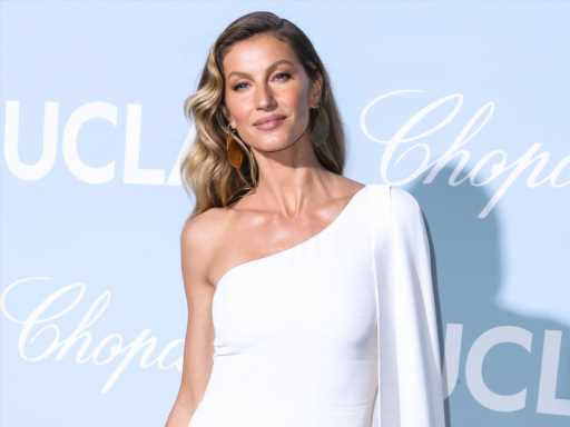 Gisele Bündchen & Lookalike Daughter Vivian Brady Are Glowing in This New Birthday Photo