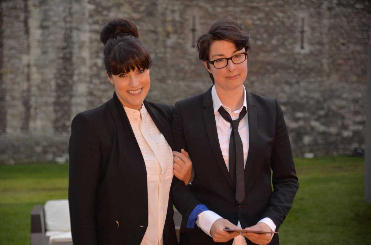 Sue Perkins and Anna Richardson 'determined to stay friends' after split as pals predict they'll get back together