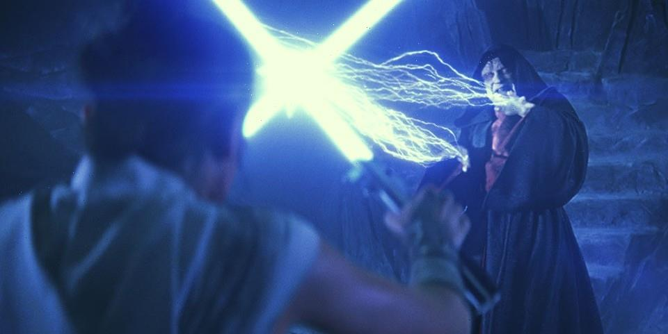 'Star Wars' Finally Explains In Detail How Palpatine Survived 'Return of the Jedi' End