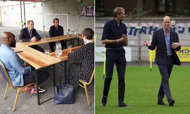 Prince William joins Peter Crouch at Dulwich Hamlet FC